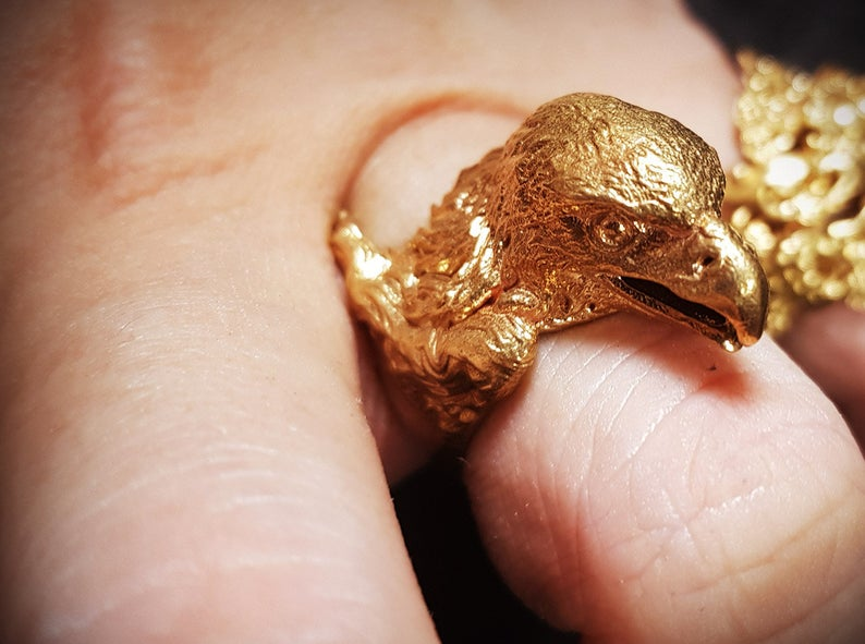anillo águila dorada
