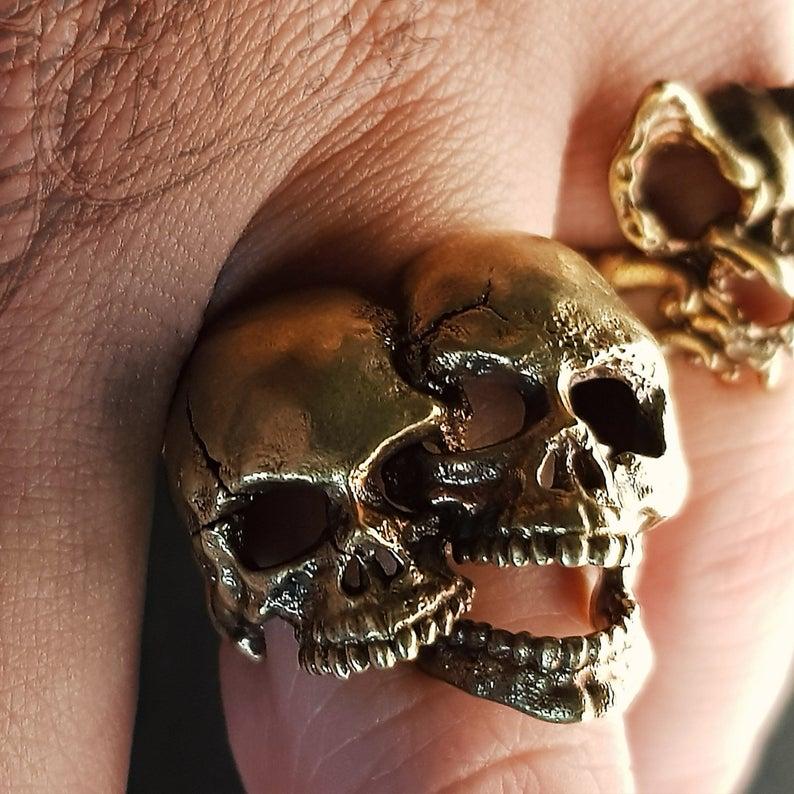anillo calaveras